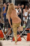 24170__480x640_Shakira-Sexy-Candids-For-Her-New-Music-Video-In-Barcelona-11